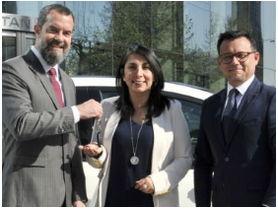 Nissan Chile entrega LEAF a la Intendencia de Santiago